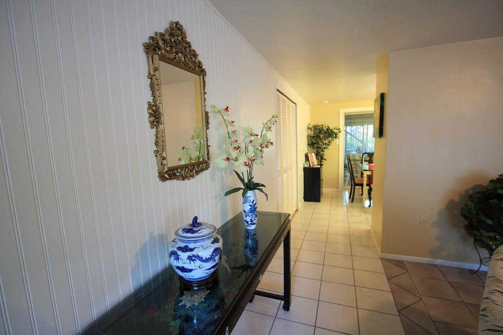 Downtown Sarasota Spacious 2 Bedroom With Garden