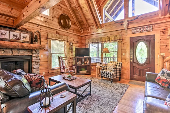 Pigeon Forge + Wears Valley Cabin 3.5 Mi to Prkwy!