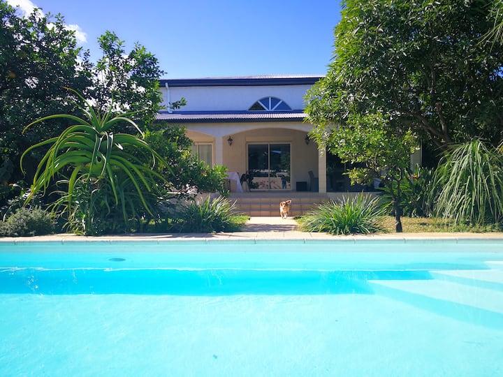 La villa des mandariniers avec piscine, 8 pers