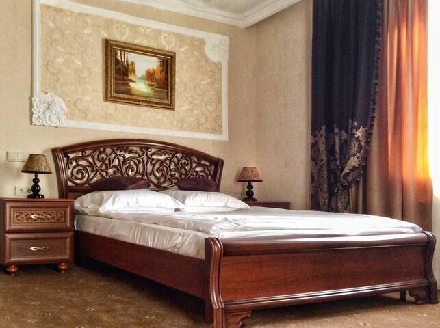 Guest House Alina.  Семейный номер с террасой.