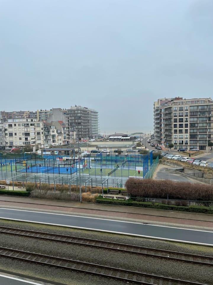 Studio 22m², vue sur mer, shops, restos proches