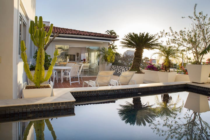Villa de charme vista mar no coraçao de Buzios !