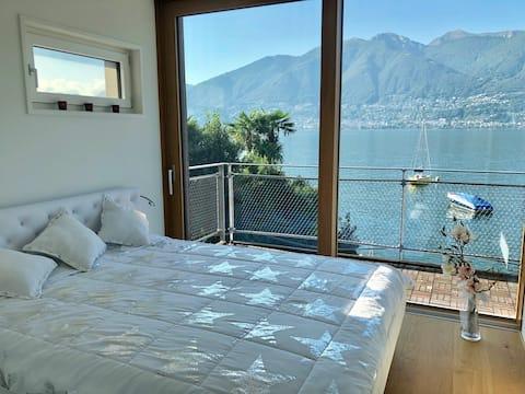 Wunderschön gelegenes, modernes Haus direkt am See