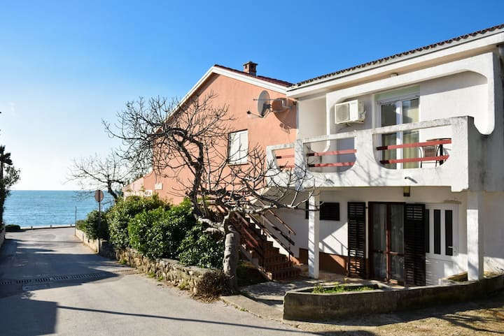 One bedroom apartment Bingo 2 50 m from the sea