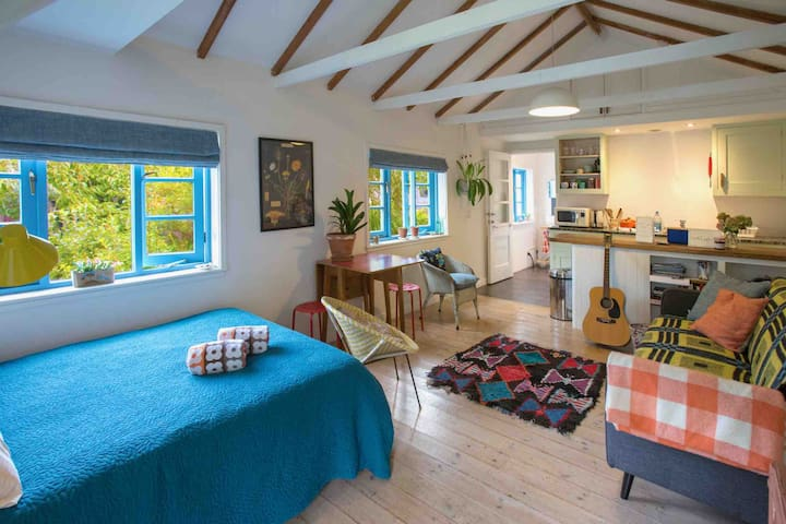 Potter's Cottage spacious, peaceful, coastal walks