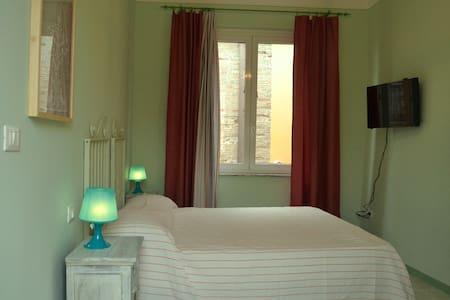 Stanza Matrim. VERDE con bagno in comune, 3 posti - Tortoreto - Bed & Breakfast
