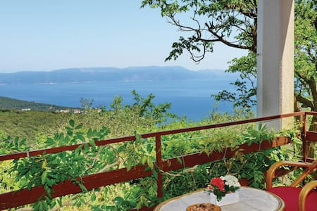 Holiday apartment with 1 bedroom on 70m² in Gondolici