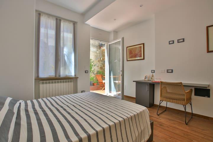 La Lissa Bed & Breakfast- Garden Room