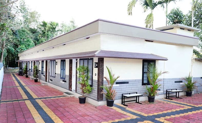 city holidays 2 Bhk cottages