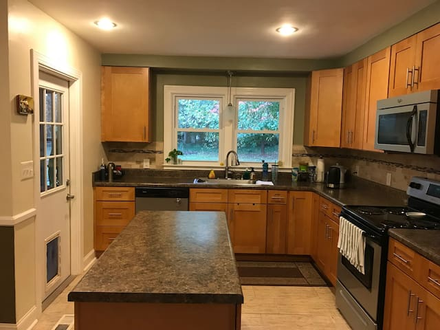 Private Master Bedroom/Bathroom Near Downtown&BJU