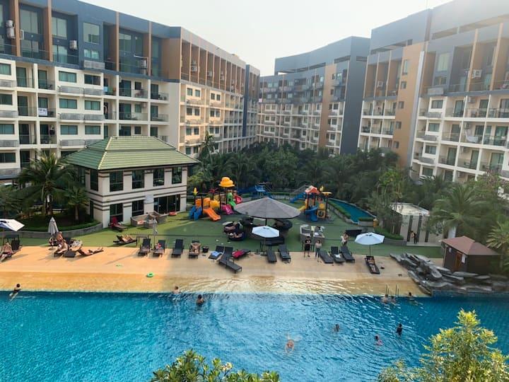 Laguna beach Resort 2, 一室一厅泳池度假公寓,免费停车免费健身房,可以做饭