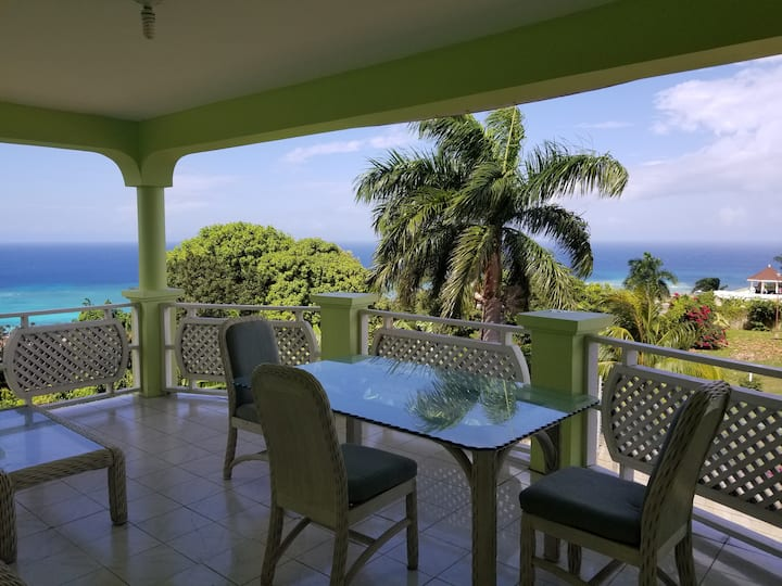 Panoramic Ocean View Montego Bay Pineapple Suite