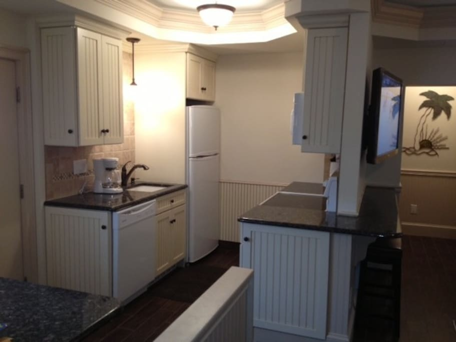 Kitchen With Full Sized Appliances, Granite Counters