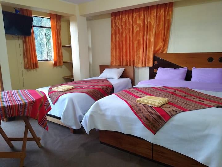 amazing Huaraz ( hostel) hab. tranquilo + balcon