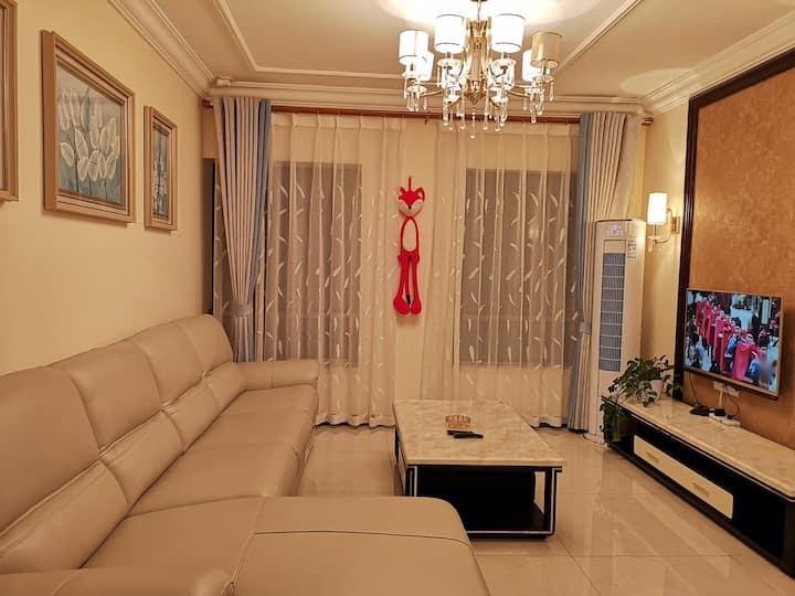 【七品居】万达及三峡游客中心附近,有品质的两室一厅套房