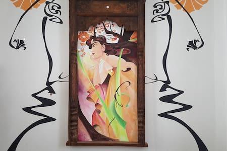 Chambres d'hôtes : Maison d'artiste CHORO SOLIS.