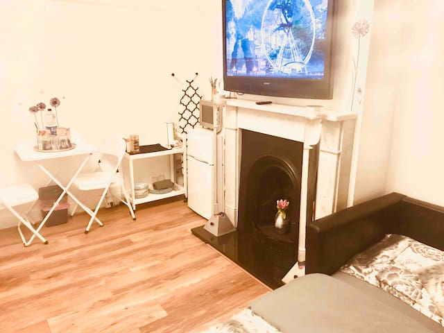 Lovely Double room with Smart Tv,