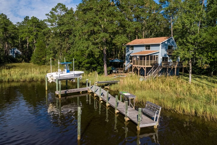 Enjoy the gorgeous creek views at the Tranquil Waters Cottage