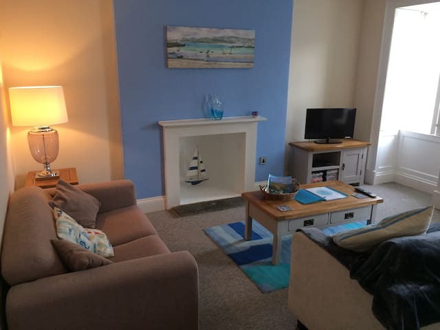 2 Bed Flat in Center of Falmouth