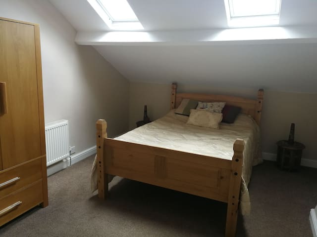 Victorian Town House-Double Room & Private Lounge