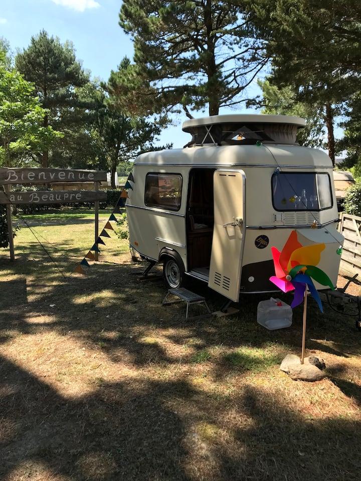 La petite au camping de Quimiac