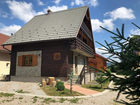 Chalet, mountain house, Holiday home Derdic
