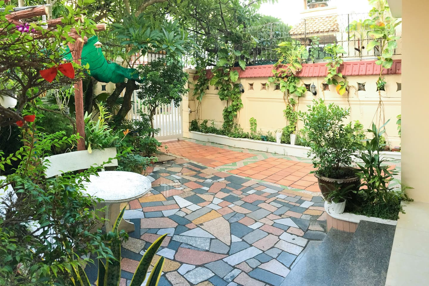Vũng Tàu Villa Ali 2- Spacious and airy front yard with green space
