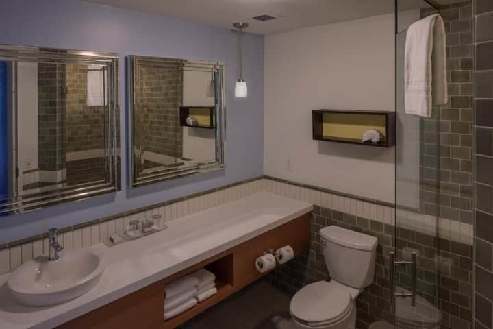 En-Suite Double Bed At Asheville