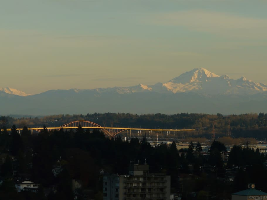 The bridge has since changed, but it's the same Mount Baker.