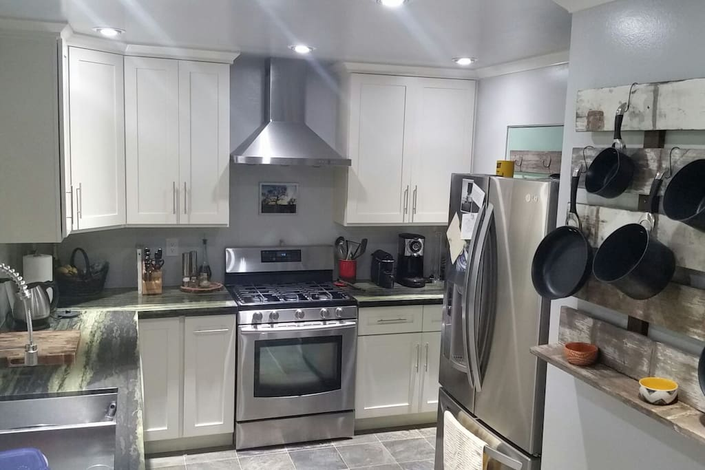 fully remodeled kitchen. coffee, and tea available.