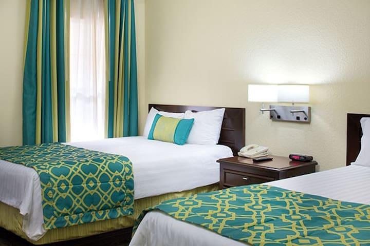 Suite Bedroom, 2 Standards