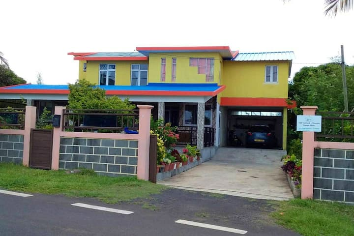House with 3 bedrooms in Anse quitor , with wonderful sea view and furnished terrace
