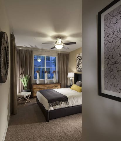 Clean apt just for you| Studio in Huntington Beach