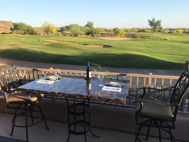 Gorgeous Scottsdale Golf Suite..Great Golf Deals !