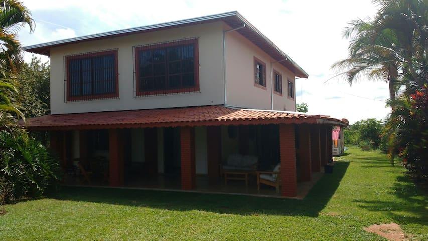 Pousada Sua Casa , a sua casa fora de casa - Engenheiro Coelho - Bed & Breakfast