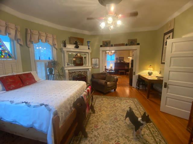 Private Suite, Historic Washington, NC: 1st floor