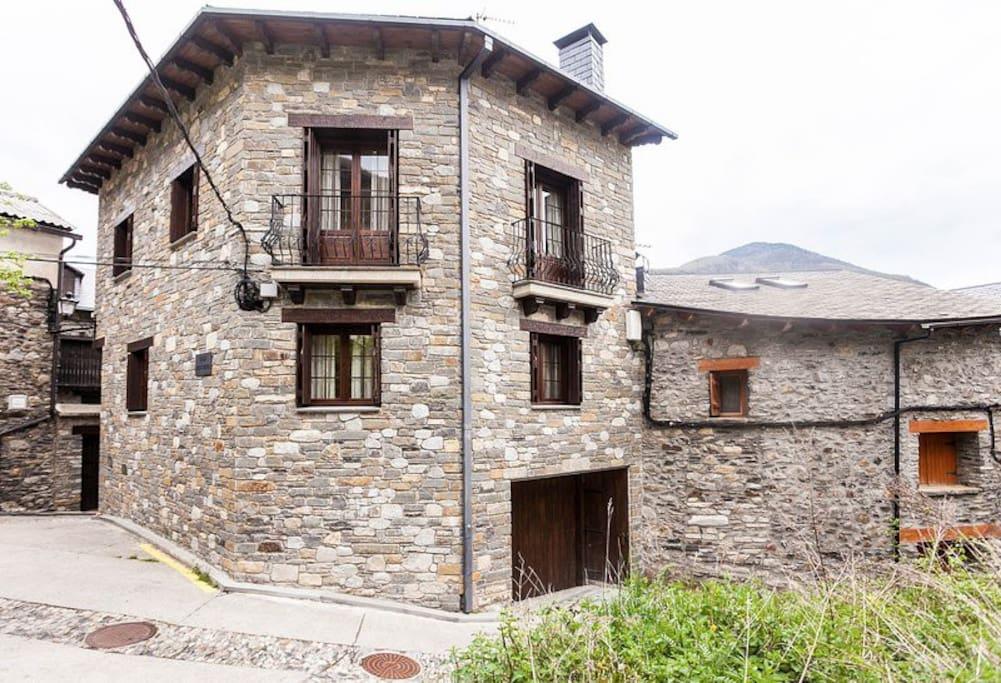 Casa Menchiques Apartamentos