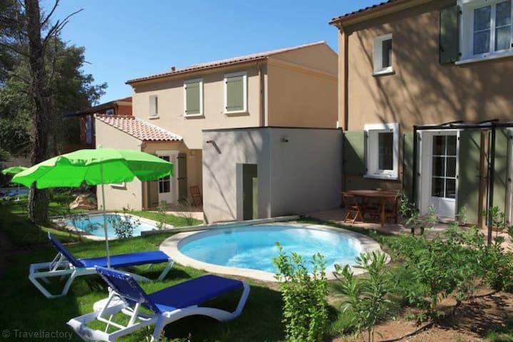 Villa avec piscine pour 4 personnes