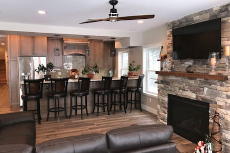 Luxury 2 BDRM Suite in Meredith -on Lake Winni