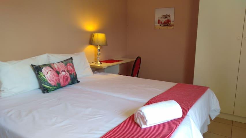 Guestrooms in Sandton- Rm 2