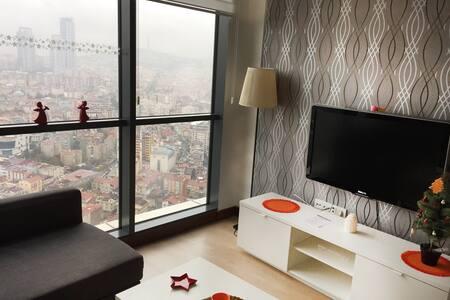 Istanbul Under Your Feet! Studio Flat / 38th Floor