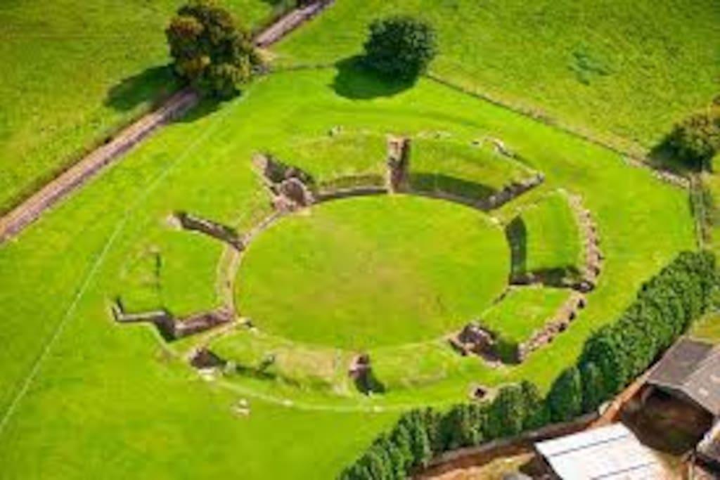 Caerleon Amphitheatre - 10 min walk