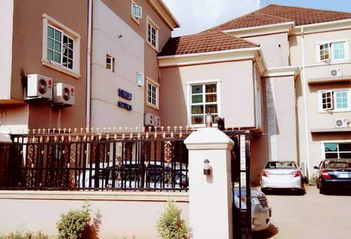 Limoh Suites...Luxurious budget hotel in Benin City