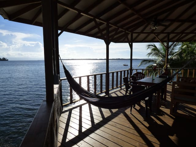 Mango Ecohouse 7min from Bocas town!