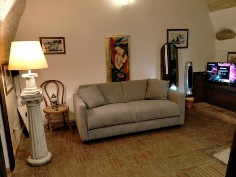 Casa indipendente, al centro di Ascoli Satriano.
