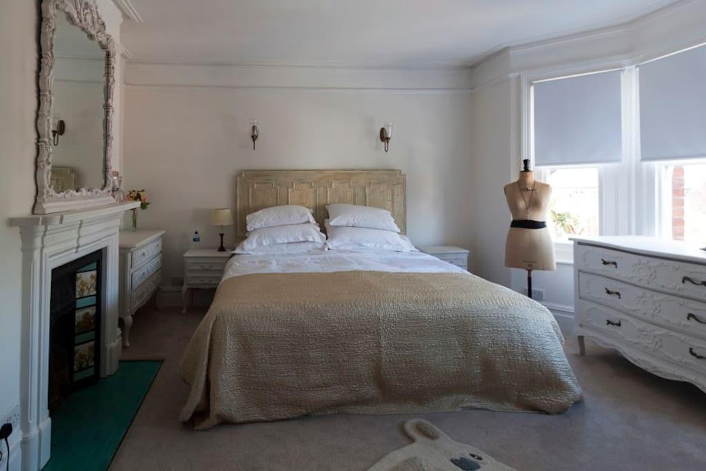 Quiet tranquil master bedroom.