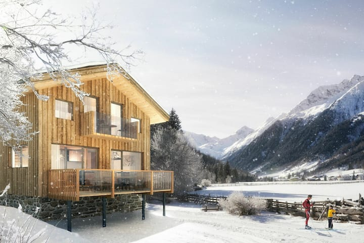 Cozy Chalet in Steinach am Brenner with Balcony and sauna