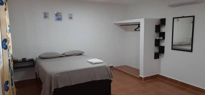 Habitación privada y cómoda en excelente ubicación