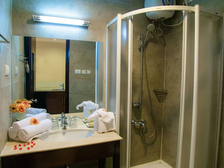 Family Friendly-2 bedrooms Apartment, Vinh Trung
