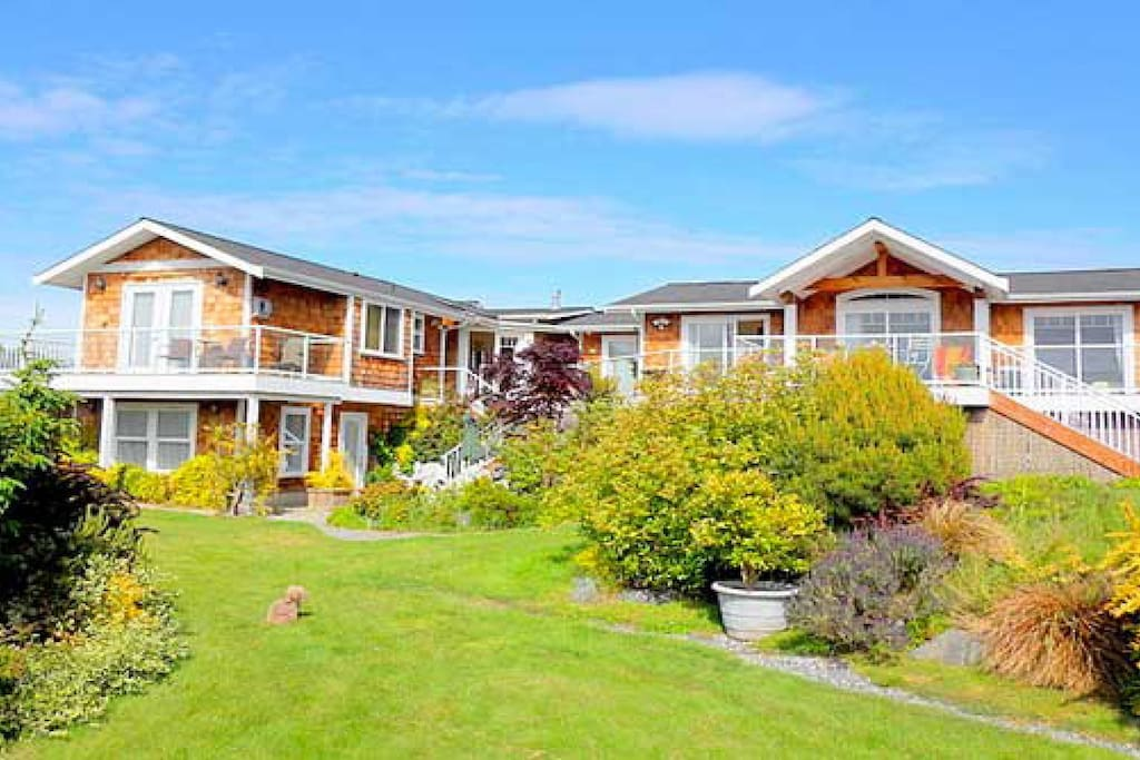 Located at Sunlight SeaScape, Whidbey Island's gentle retreat- close to Seattle but on 'island tyme'. And our own community beach on Sunlight Beach